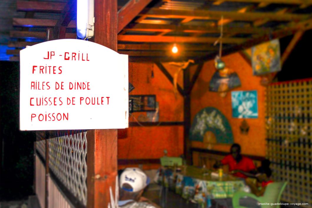 jp-poulet-grillé-créole-guadeloupe-petit-lolo-salle