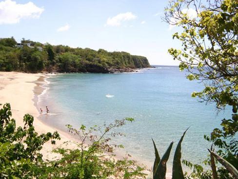 Plage de Leroux-Insolite Guadeloupe Voyage