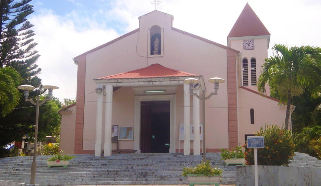 messe-catholique-culture-tradition-coutume-guadeloupe-caraibes-creole-guadeloupe-eglise-deshaies-basse-terre