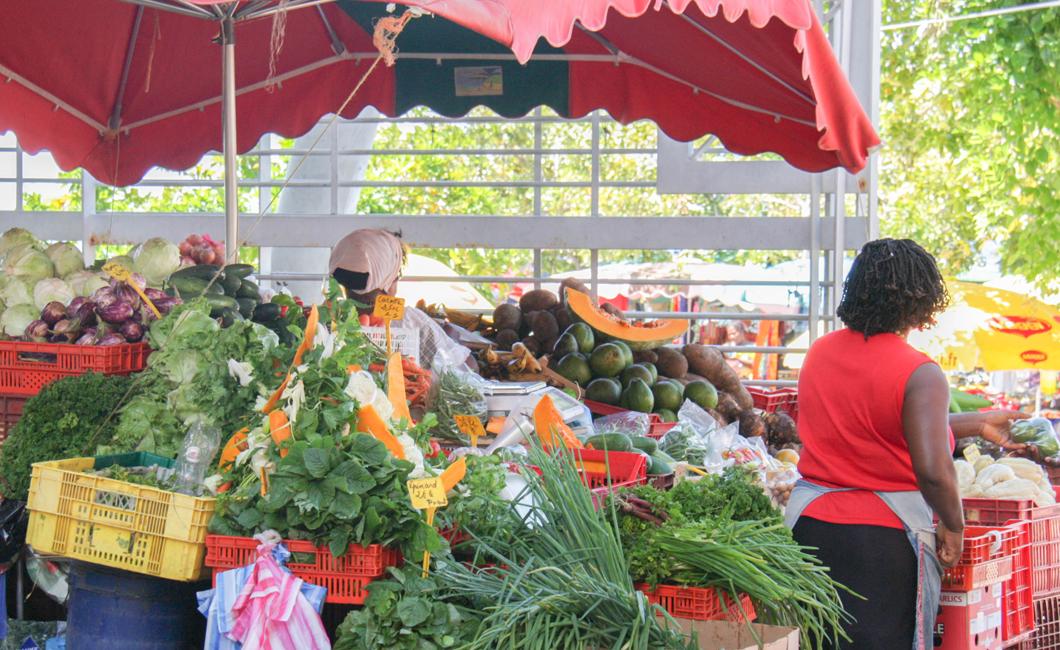 marche-basse-terre-fruit-legumes-gastronomie-creole-insolite-guadeloupe-voyage-pays